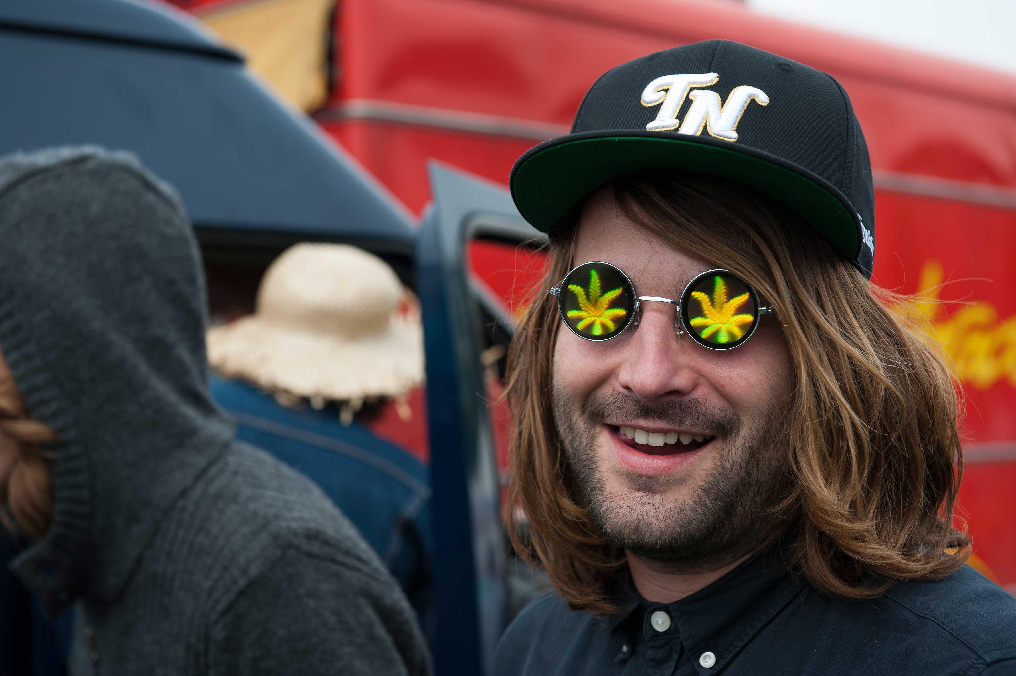 http://www.dutch-passion.nl/img/nieuws_org/Cannabis%20Bevrijdingsdag%202013%205.jpg