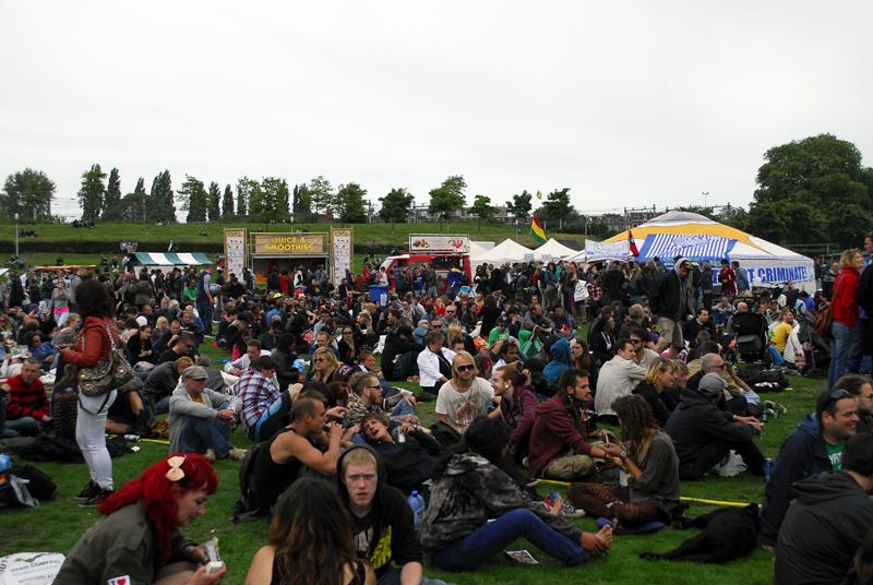 http://www.dutch-passion.nl/img/nieuws_org/Cannabis%20Bevrijdingsdag%202013%209.JPG