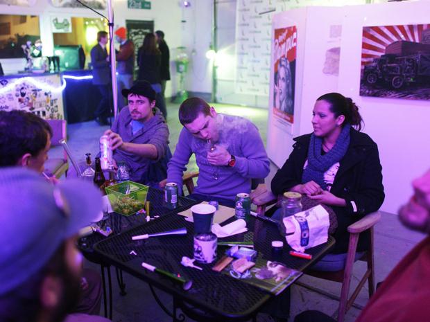 smokers in colorado cannabis club